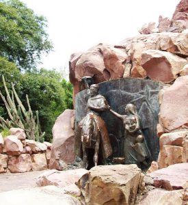 detalle de monumento a Güemes PT 02