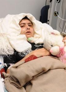 Malala, en octubre de 2012, cuando estaba internada luego de haber sufrido un atentado por parte de un grupo talibán.