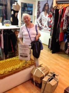Teresita en la Boutique Emma Massa